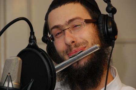 Yehuda flutes it up